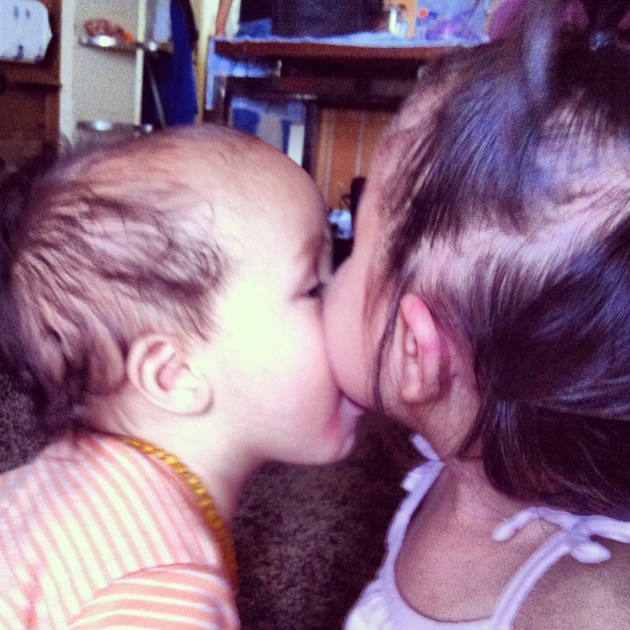 toddler cousin kisses.jpg